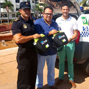 El Ayuntamiento de Almuñécar adquiere nueve desfibriladores